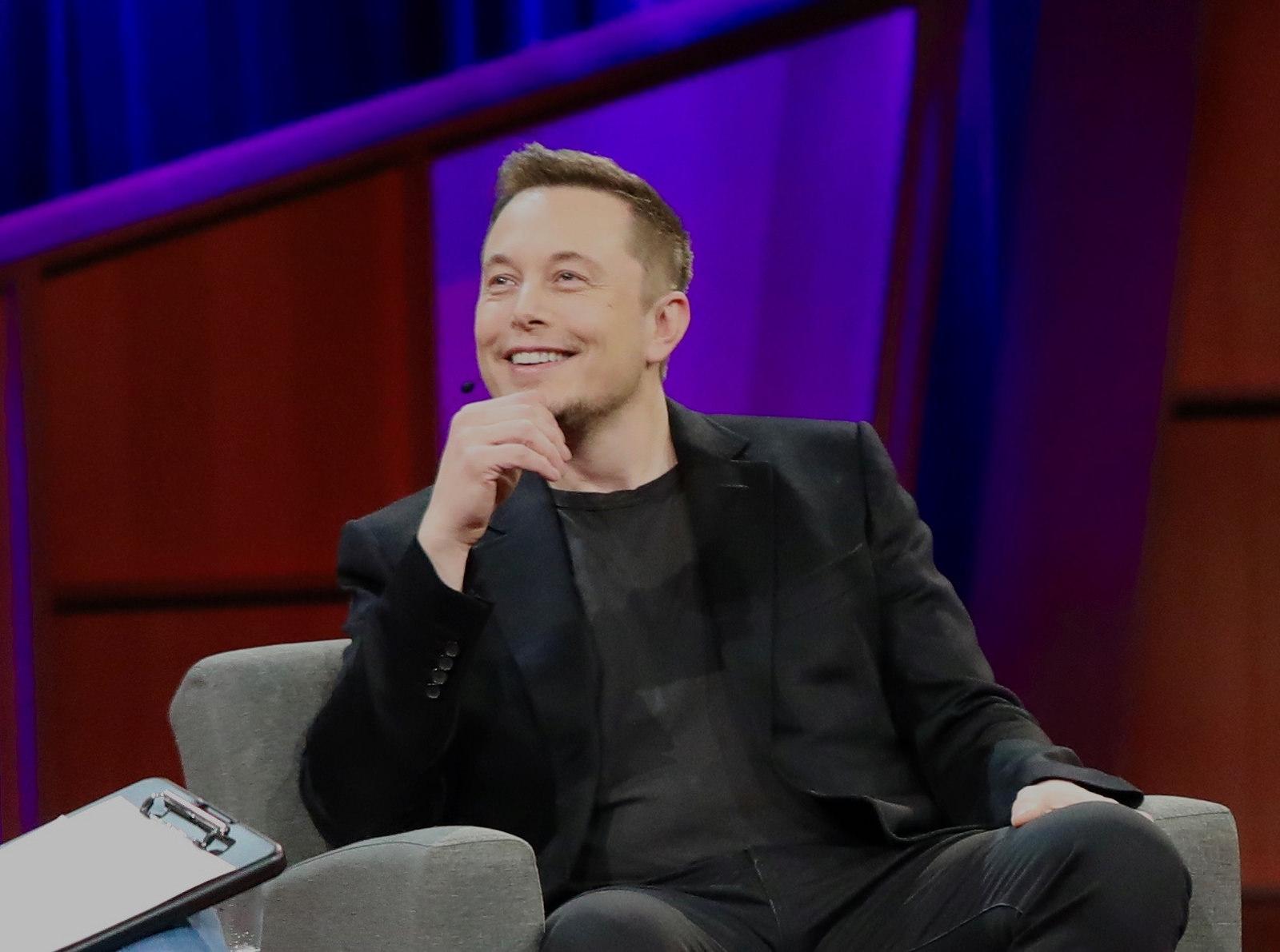 Elon Musk ville imponere kjæreste med aksjepris
