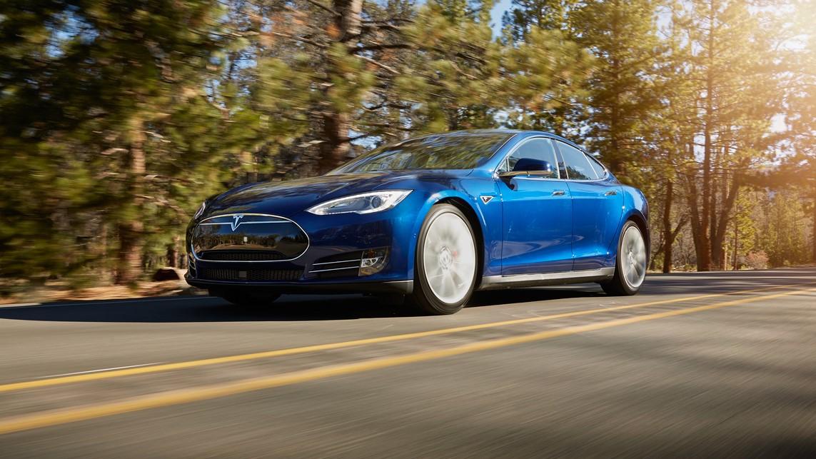 Snart er det slutt på Teslas henvisningsprogram med gratis superlading.