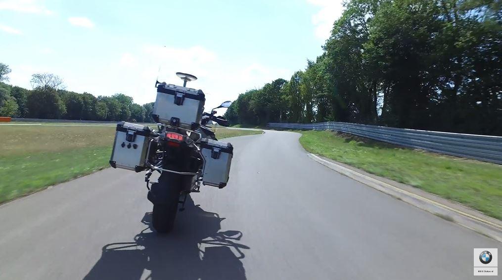 Her er BMWs første førerløse motorsykkel.