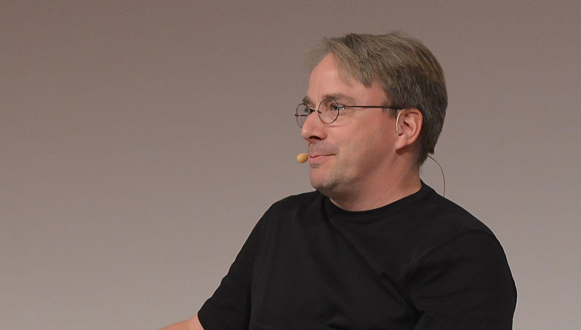 Linus Torvalds tar seg en pause for å arbeide med sin personlighet