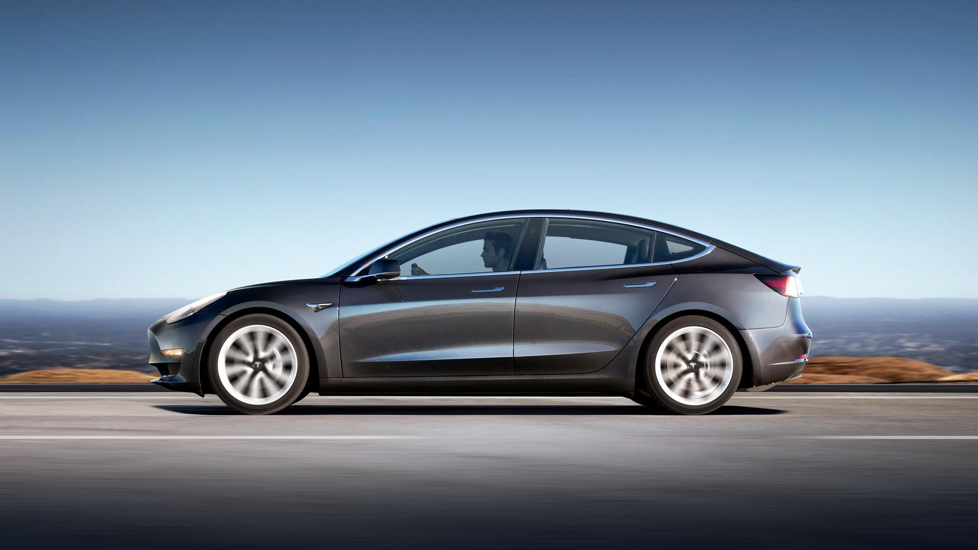 Nå kan amerikanerne få Tesla Model 3 levert på jobb.
