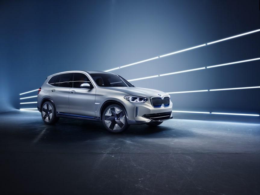 Nå kan du reservere BMWs første elektriske SUV.