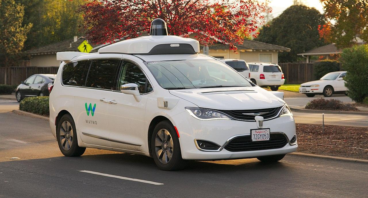 Waymos første fullstendig autonome biler er ute på veiene