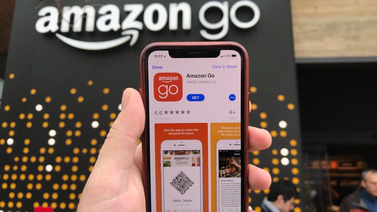 Amazon sparket ansatt som delte kunders e-postadresse.