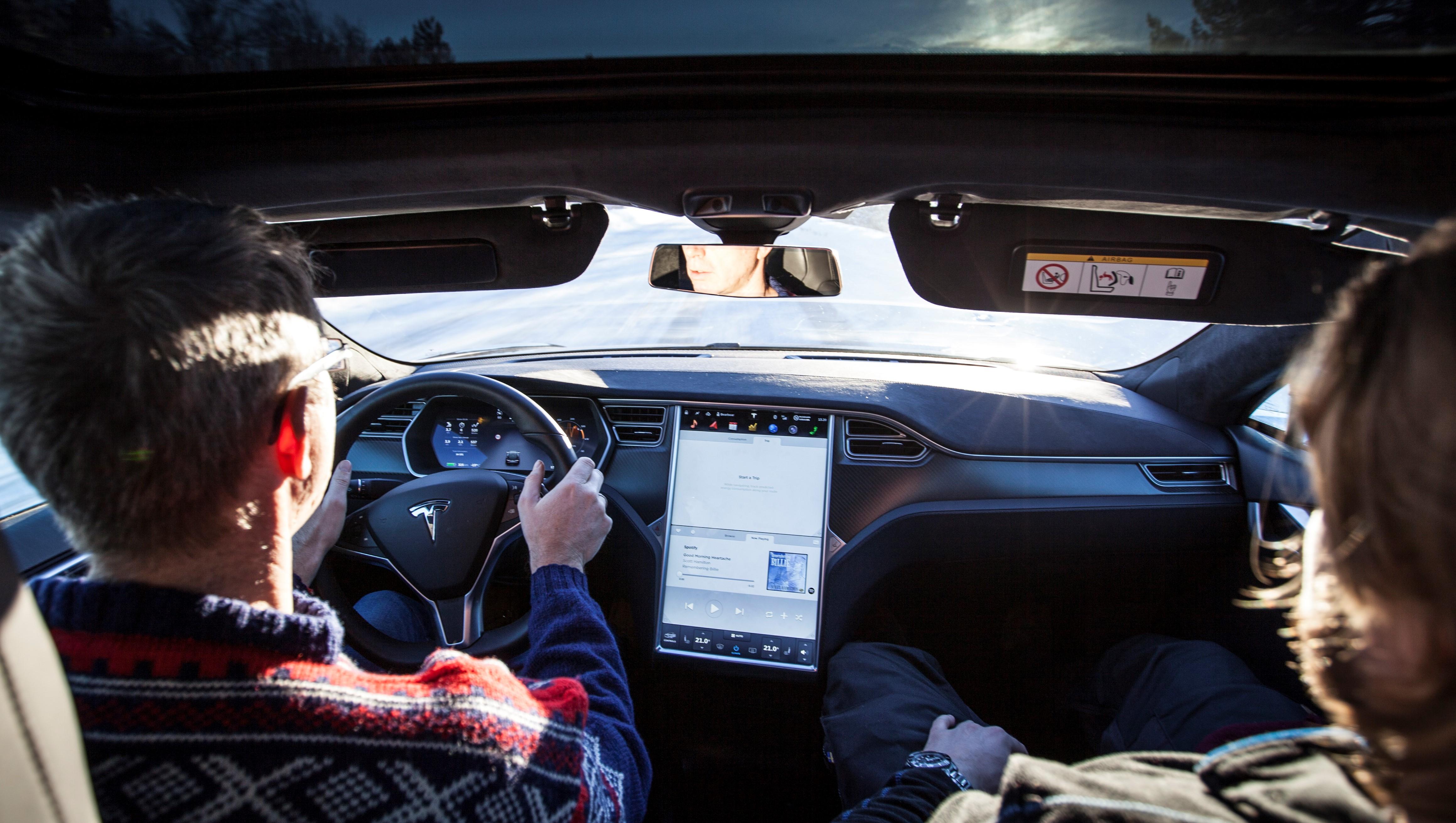 Tesla starter utrullingen av version 9-oppdateringen.