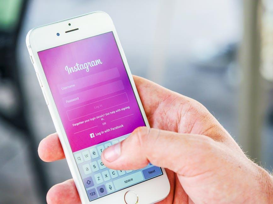 Facebook kan få tilgang til Instagram-data som posisjonen din.