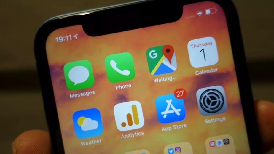 ITavisens Trond Bie kalte iPhone XR for «en for dyr mellomklassemobil» i sin test av telefonen. Nå ser Apple seg nødt til å senke prisen.