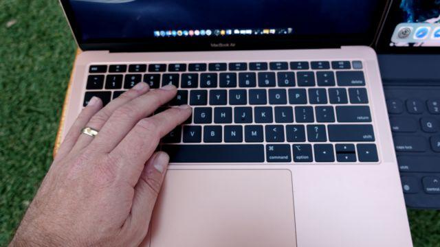 TEST: Noen må fortelle Apple det ikke er 2010 lenger