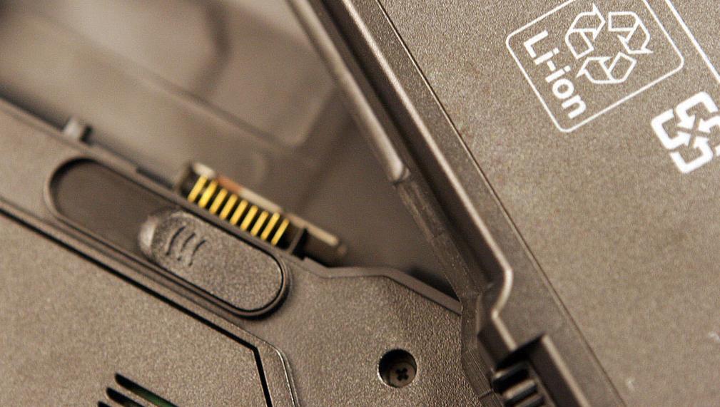VISSTE OM FAREN: Sony skal ha visst om de eksplosjonsfarlige batteriene i ett år uten å gjøre noe.