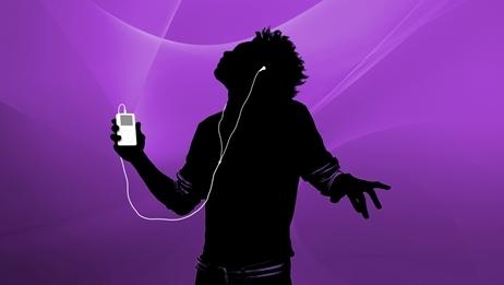 Norske forbukermyndigheter mener Apple bryter loven ved å låse musikk fra iTunes opp mot selskapets iPod-avspillere.