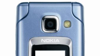 ORGANISERT: Nokia 6290 skal hjelpe deg å holde orden på en travel hverdag.