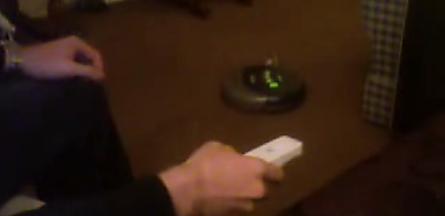 Wii-STYRING: Nå kan du få robotstøvsugeren Roomba til å gjøre som du vil.