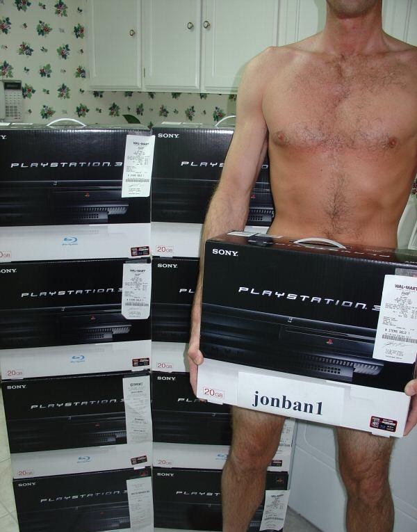 KLER AV SEG:  Ebay-selgere håper at naken hud skal hjelpe dem med å bli kvitt PS 3 stablene. (Bilde fra ebay.com)