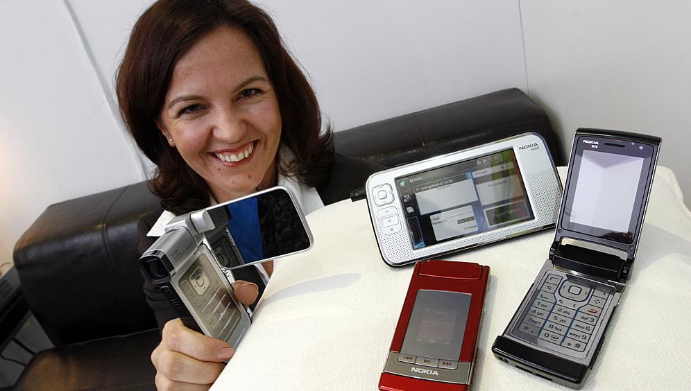 NYHETER: Nokias Satu Ehrnrooth viser fram selskapets nyheter.