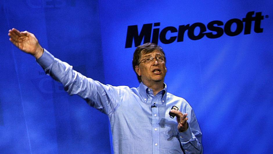 Bill Gates ble pensjonert fra Microsoft i mai i fjor. Like fullt holder han avskjedstaler i øst og vest...