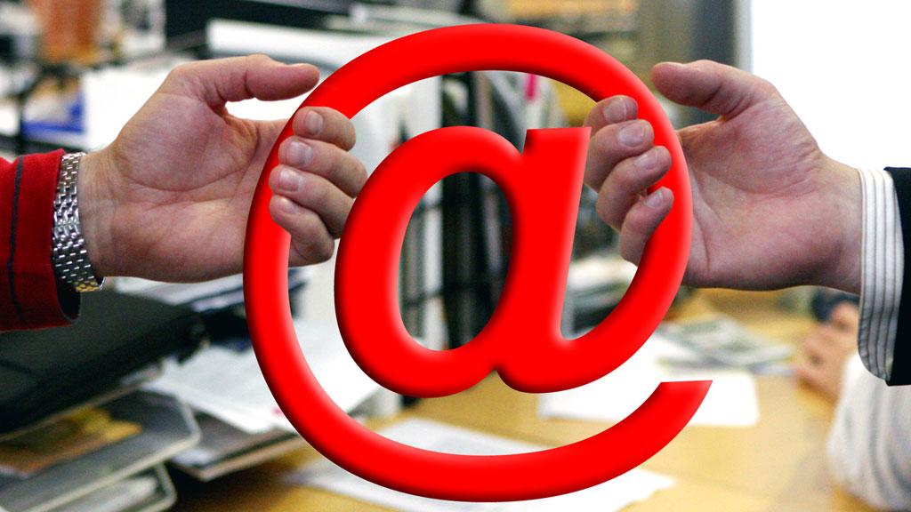 Bør e-posten på jobben overvåkes? det diskuterer man i Australia.