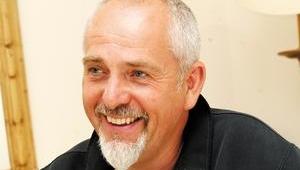 Peter Gabriel herjet verdens hitlister på midten av 1980-tallet. Nå vil han filtrere nettet for deg.