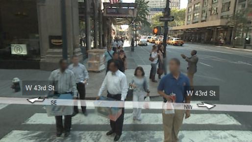 Folk på gata i New York får fjernet ansiktene på bildet om de kommer for nære et Street View-kamera