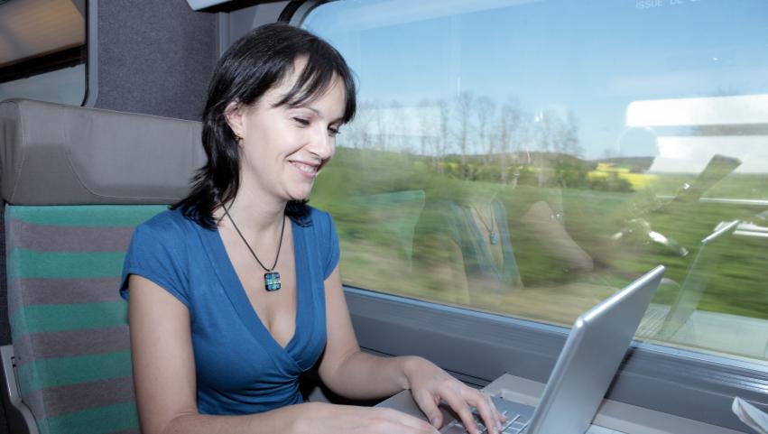 women train laptop