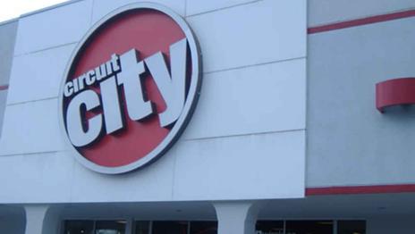 Circuit City har med sine nesten 600 filialer vært en del av gatebildet i USA i over 60 år. Nå er det slutt.