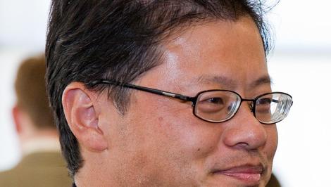 Yahoo-grunder og sjef Jerry Yang går av som sjef så fort styret finner en ersatter.