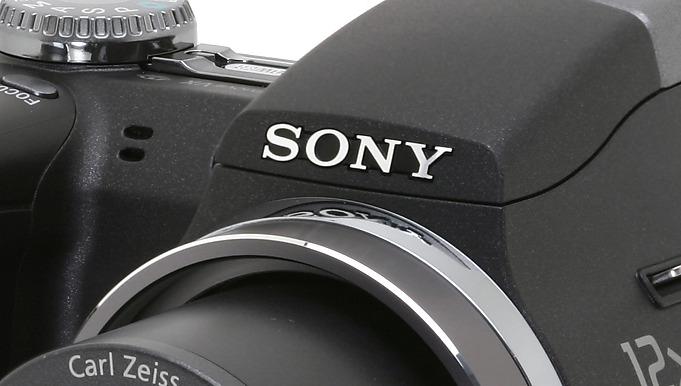 Sony_H5_3q