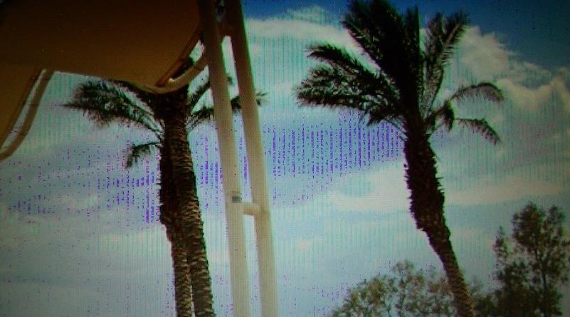 Merkelige farger oppstår når skjermkortet blir for varmt.