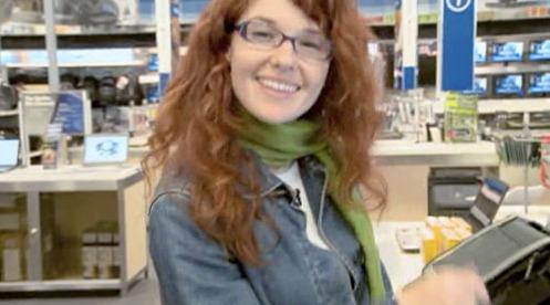 Lauren var med i den første reklamen til Microsoft, og endte opp med å velge en HP-laptop til 1000 dollar.