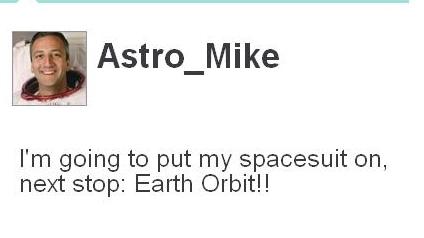 Astronauten Mike Massimino holder oss oppdatert fra rommet via Twitter.