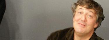 Stpehen Fry har en makt til å ta ned nettsteder som DDoS-hackere kan misunne ham...