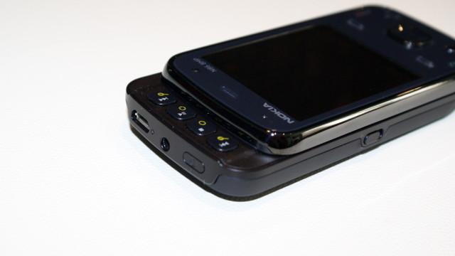 USB og 3.5 mm-plugg