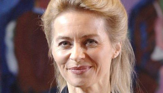 Familieminister Ursula von der Leyen vil ha klarere regler for hva som er tillatt og ikke på nettet.