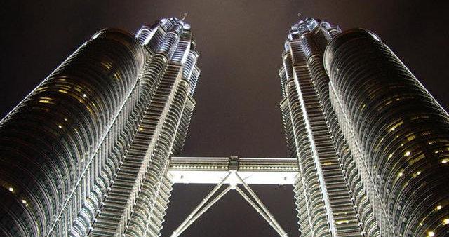 Tvillingskyskraperne Petronas Twin Towers i hovedstaden Kuala Lumpur er selve symbolet på Malaysia. Nå skal landet ikke forbindes med nettsensur.