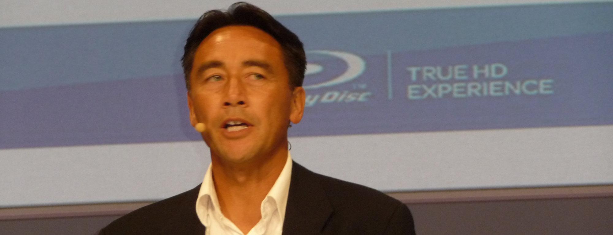 BDA-formann Victor Matsuda kan love at 3D-disker kan spilles i 2D-maskiner - og omvendt.