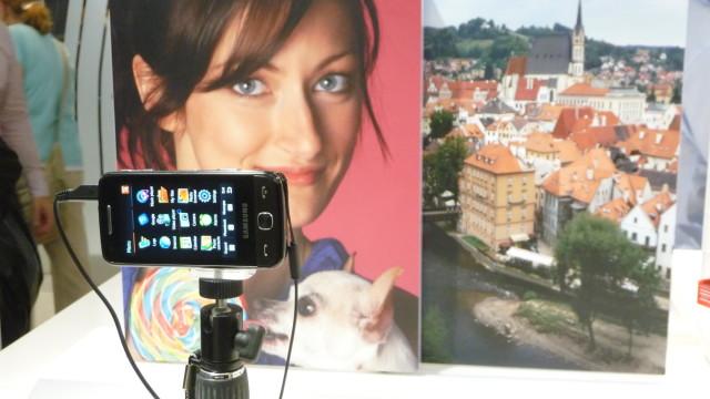 Samsungs Omnia II tar opp video i HD-valitet (720p). Og har 3,7 tommers OLED-skjerm, GPS og mye, mye mer.