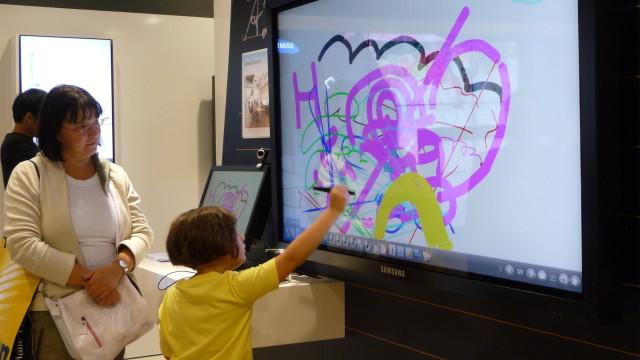 Tegning og maling på LCD - sponset av Vodaphone.