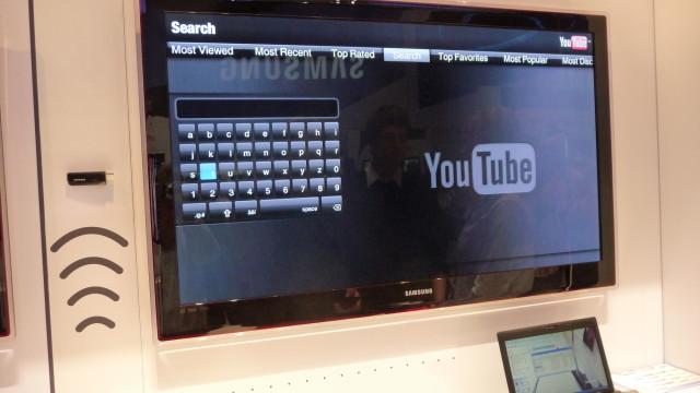 YouTube, Facebook og alle de andre på nettet går sin seiersgang på TV. Men det går myyyye tregere enn med PC...