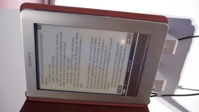 Sonys nye E-reader står for an en storlansering i Europa. I motsetning til Amazons Kindle støter den flere formater.