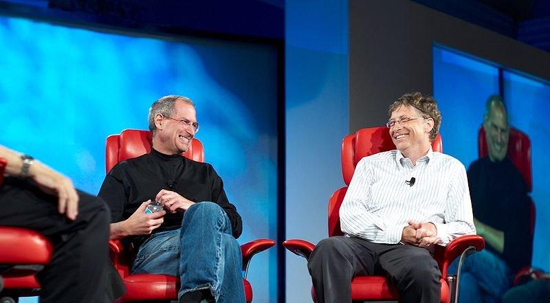 Steve Jobs og Bill Gates i en sjelden samtale på All Things D for ett par år tilbake.