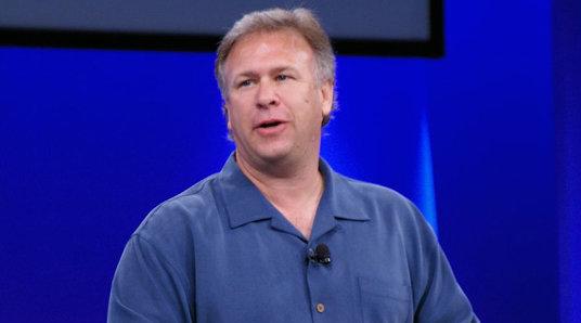 Phil Schiller avkrefter at det kommer nye produkter i år.