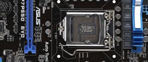 Pass på at prosessoren sitter som den skal på hovedkortet om du har i5 eller i7 og sokkel fra Foxconn.