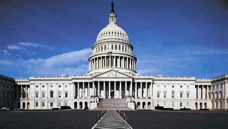 Den amerikanske Kongressen skal ta stilling til om de skal oppfordre eller pålegge nettleverandører å praktisere «three strikes»-regelen.