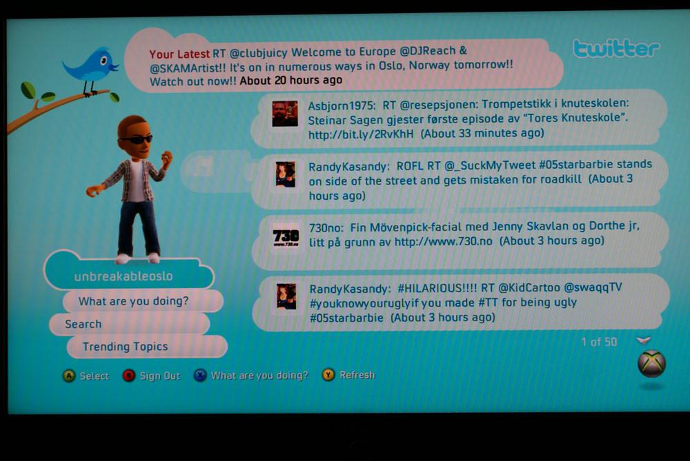 Tredjeparts-tjenester som Xbox Live gjør det mulig å twitre fra mange kilder.