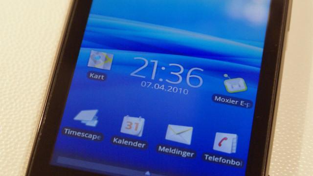 X10 er en elegant telefon.