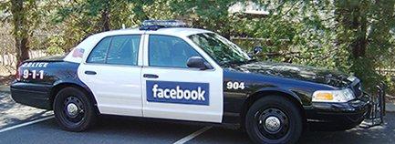 Facebook-politiet skyter først.