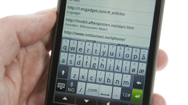 Svært tastatur med egne norske knapper.