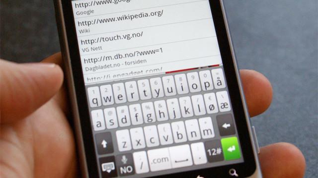 Det virtuelle tastaturet er også fint å bruke, og har egne norske knapper.