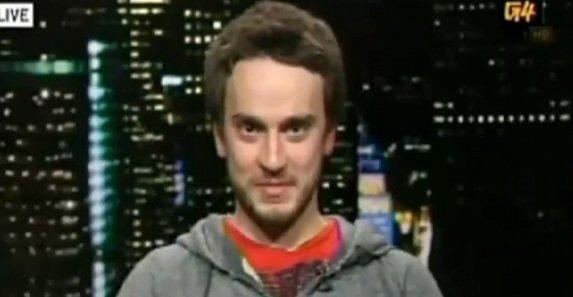 George Hotz har kommet til enighet med Sony og lover at han aldri skal dele flere PS3-hacks. Om han bryter avtalen vanker store bøter for hackeren. Her fra et TV-intervju.