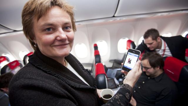 Ministeren bruker også sosiale medier.