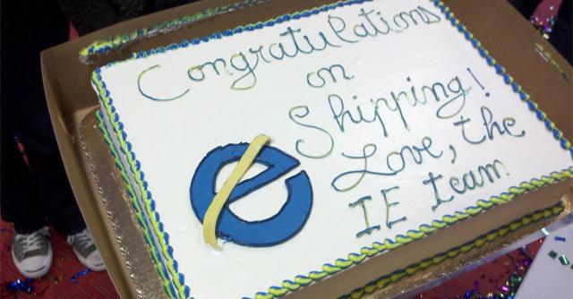 I forbindelse med Mozillas lansering av Firefox 4 22. mars, sendt konkurrent Microsoft teamet en kake.